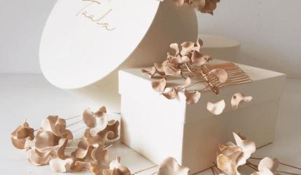 fiori-di-porcellana-di-taala
