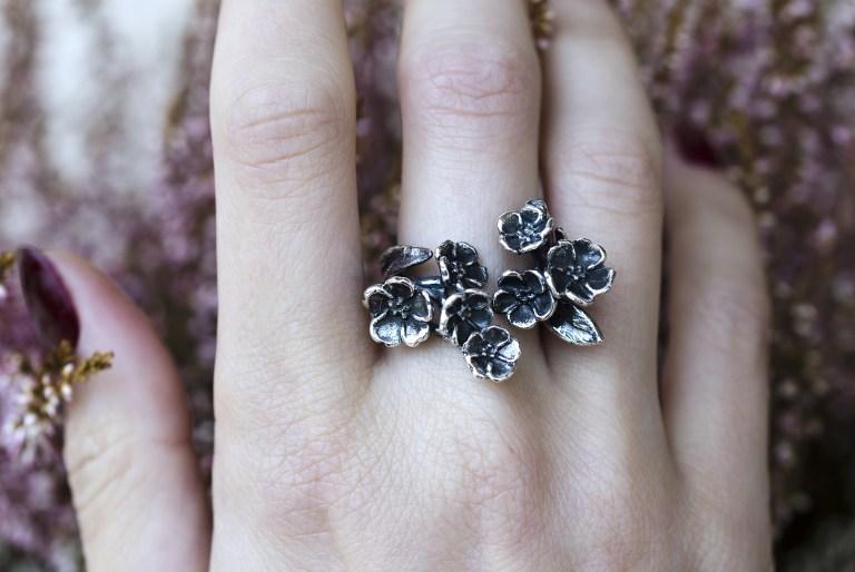 gioielli-di-sepi-anello-fiori
