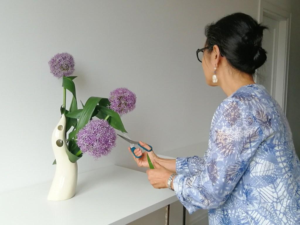 flowerista-l-arte-dell-ikebana-lavorazione-fiori-di-aglio
