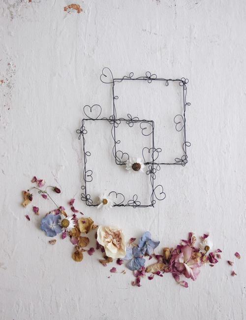 Cornici doodle fili di poesia flowerista