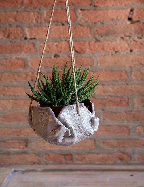 vaso da appendere in ceramica- interra ceramica- flowerista
